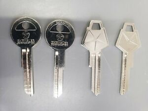(4) 1965-1967  VINTAGE CHRYSLER PLYMOUTH DODGE  ORIGINAL MOPAR NOS KEY BLANKS