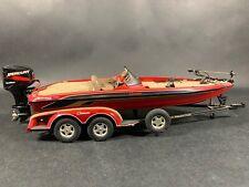 Danbury Mint 2000 Ranger Comanche Bass Boat 1:24 Diecast Mercury Outboard Motor
