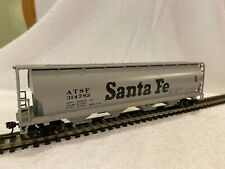 HO scale Bachmann Santa Fe RY Cylindrical Covered Canadian Grain Hopper Grey