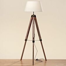 Lampes marrons en bois pour la chambre