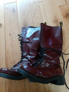DR MARTENS 20 EYELET PATENT LEATHER BOOTS AIR WAIR  SIZE 8