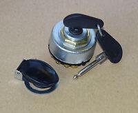 Zündschloss / Lichtschalter + Spritzschtuz-Kappe für IHC Mc Cormick Traktoren