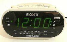 Sony Dream Machine FM/AM Dual Alarm Clock Radio ICF-C318 White