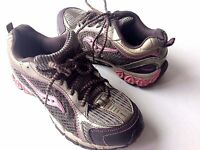 Saucony Xodus LC women's 6 running sneakers athletic shoes metallic pewter