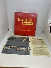 Triang OO Gauge R170 Level Crossing Double Track Electrically Operated Boxed