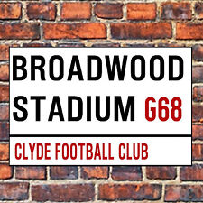 CLYDE FC STREET SIGN ON A TEA/COFFEE COASTER. BROADWOOD STADIUM 9cm X 9cm