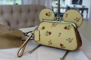 NWT COACH DISNEY X Minnie Mouse Kisslock Purse Wristlet Vanilla Yellow Floral