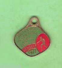SOUTH SYDNEY JUNIOR  RUGBY LEAGUE  CLUB MEMBER BADGE 1977 #28613