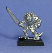 CITADEL - Skaven - Clan Rat with Sword (a) - Metal - Warhammer Fantasy Army