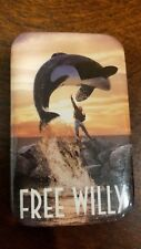 Free Willy promotional pin badge -