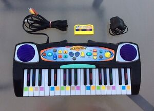 """Fisher-Price """"I Can Play Piano"""" TV PlugNPlay w/ Charger & Cable Tested WORKING"""