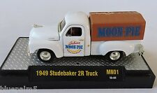 1/64 M2 Machines 1949 Studebaker 2R Truck 1 of 500 Gold Chase Acrylic Case