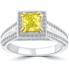 Schmuck und Diamanten in Gelb