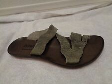CYDWOQ $225 Admit gray green handmade leather flat sandals SZ 36-EUC