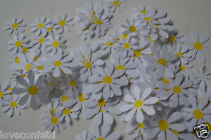 BEAUTIFUL traditional DAISIES TABLE Confetti decor for WEDDINGS Spring EASTER