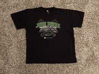 John Deere Mens T-Shirt XL Black Spell Out Logo Graphic Short Sleeve EUC