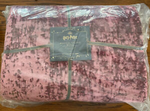 Pottery Barn Teen Harry Potter Magical Velvet Twin Quilt Burgundy