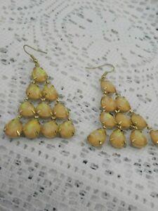 Vintage Chandelier Earrings Drop Dangle Teardrop Gold Tone White Hook