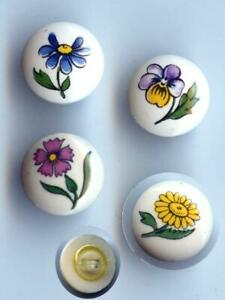SET OF 4 DIFERENT FLOWERS ON CERAMIC SMALL SEWING BUTTONS VINTAGE