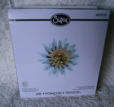 **NEW** SIZZIX BIGZ  FLOWER LAYERS #7  DIE #557108