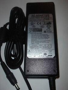 Netzteil Original Samsung Q1 Q10 Q25 Q30 Q35 R45 RV720-S02NL