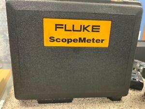 FLUKE 123 INDUSTRIAL SCOPEMETER with case