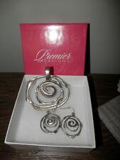 PREMIER DESIGNS Pendant & matching Earrings Set silver swirl magnetic closure