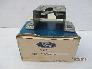 NOS NEW FORD D2OZ-7131700-A 1972 LTD Torino station wagon tailgate latch