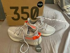 Yeezy boost 350 V2 Tail light 39 1/3