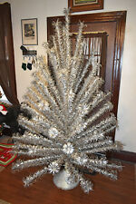VTG Evergleam Aluminum Christmas Tree and Revolving Music Stand - 7' 100 Branch
