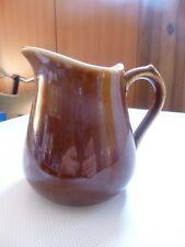 ancienne carafe ou pot à lait ou crème    brun en céramique