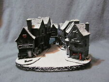 Lilliput Lane - Dickensian Christmas - Red - No Deed