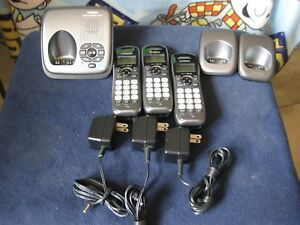 Uniden Cordless Phone System DECT 6.0 & Answering Machine w/ 3 Handsets