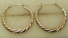 SOLID 14K YELLOW GOLD Scalloped Graduated Hoop Earrings - 1.5 GRAMS, BEAUTIFUL!