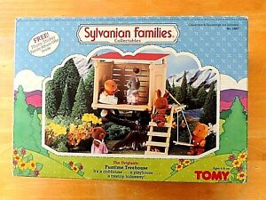 1986 Sylvanian Families Funtime Treehouse By Tomy No.2887 With 3 Figures EUC