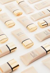Estee Lauder Double Wear Light Foundation (Retails At £34.50)