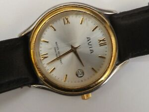 a gents stainless steel cased avia quartz watch