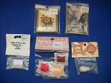 Miniature accessories: picture frames, pizza box, vase,1:12 scale, Nib, lot #20
