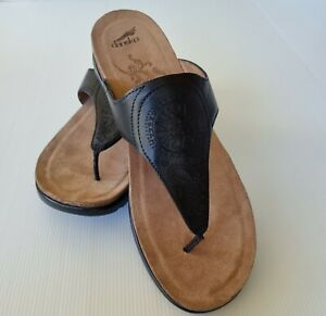 Dansko Priya Veg size 42 US 11 Wide Black Leather Sandal Low Heel