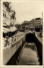 Leeuwarden Naauw alte Postkarte 1954 datiert Straßenpartie am Kanal alte Autos
