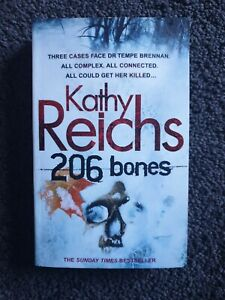 206 Bones by Kathy Reichs - Small Paperback - Save 25% Bulk Book Discount