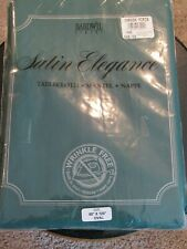 """NWT Gallery Bardwil Linens 60"""" x 120"""" oval green tablecloth"""