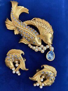 Vintage *ELIZABETH TAYLOR * for AVON  KOI FISH Faux Pearl , Sapphire Pin/Brooch