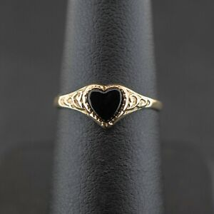 (SO4) 9ct Yellow Gold Black Onyx Heart Ring Size J