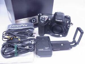 FUJIFILM FUJI FINEPIX S5 PRO 12.3MP Digital SLR Camera EX+++++ W/Box, Charger