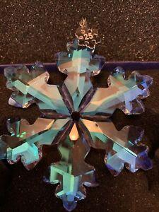 2018 REPLICA Annual Snowflake ornament