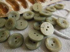 lot 18 petits Boutons vintage gris laiteux strié 1,3 cm ref 641