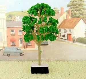 PACK of  4  MODEL TREES ( Light Green ) for  Railway /Scenery 1/43 - O ( New )