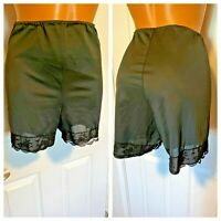 VTG CHIC LINGERIE BLACK NYLON W/ LACE TRIM PETTIPANTS TAP PANTIES SZ S