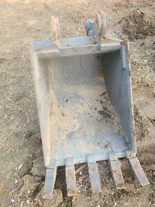 """24"""" New Holland Backhoe Bucket"""
